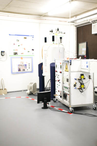 Hyperpolarization lab with NMR spectrometer and the xenon polarizer